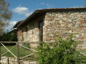 Il Fienile holiday house in Chianti it's a charming self catering cottage near Florence and Siena with an amazing view on the wineyards.